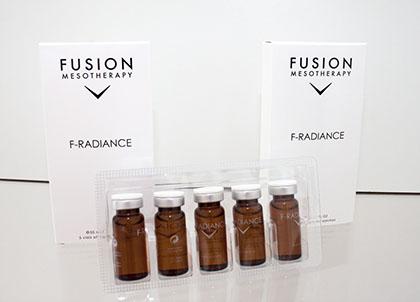 F-Radiance – эффективный препарат для снижения пигментации и отбеливания кожи. Каждый флакон содержит только чистые активные ингредиенты, без консервантов и других химических добавок. Выравнивание тона и отбеливание кожи является проблемой, так как пигментация - непрерывный процесс и требует регулярного использования препаратов. Для получения наилучшего результата воздействие идет по двум направлениям: на уровне меланоцитов для уменьшения выработки меланина; и на поверхностные слои кожи путем использования мягкого пилинга (для стимуляции обновления кожи с целью устранения поверхностных клеток, содержащих пигменты). После нескольких процедур цвет кожи становится светлее, впечатляющие результаты сохраняются долгое время.